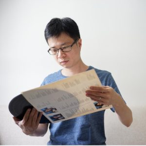Vip Buraphadeja happening 雜誌的創辦者、總編輯,曼谷藝術文化中心(bacc)董事會成員, 作家,作曲家,音樂評論者與資深讀者。